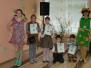 Lieldienas olu krāsošanas prieks Naujenes pamatskolā