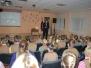 Naujenes pamatskolas 1. - 4. klases skolēnu mācību stunda ar atraktīvajiem policistiem runci Rūdi un bebru Bruno