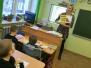 """Naujenes pamatskolas 1. klases skolēni darbojas projektā """"Mūsu mazā bibliotēka"""""""