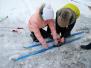 Naujenes pamatskolas skolēni priecājas par ziemu