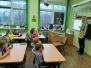 """Pie Naujenes pamatskolas pirmklasniekiem ciemojās """"Mūsu mazā bibliotēka"""""""