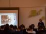 Špoģu vidusskolas skolēni kopā ar biedrības '' BALTĀ MĀJA'' radošo grupu interaktīvi izglītojošā pasākumā pārbauda zināšanas par Latvijas valsti