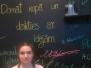 """Špoģu vidusskolas skolniece Diāna Nedvedje konkursa """"100 vēstures mirkļi novadā – vietas un cilvēki"""" noslēguma pasākumā"""