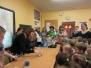 Topošie pirmklasnieki ciemojas Naujenes pamatskolā